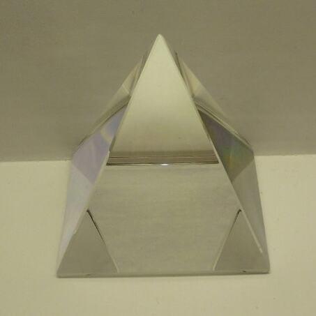 Piramide di cristallo 6*6*6 cm