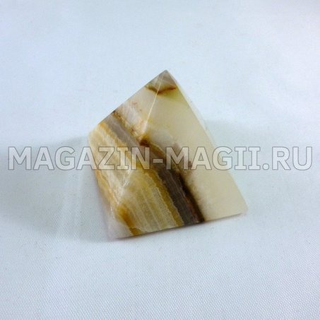 Pirâmide a partir de ônix 4*4*4 cm